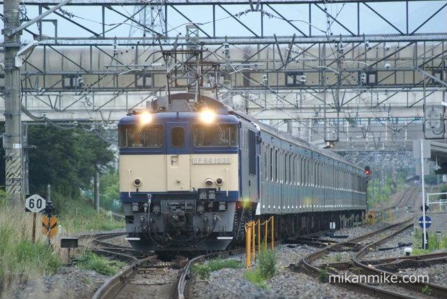 209系ウラ50編成 明科発車