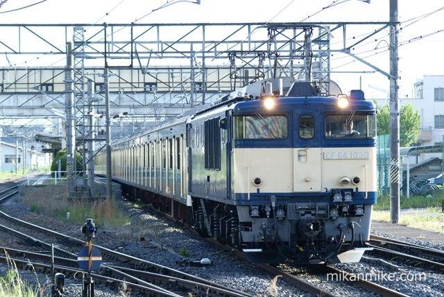 209系ウラ43編成 明科発車