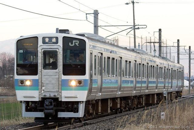 211系 営業列車で大糸線走行